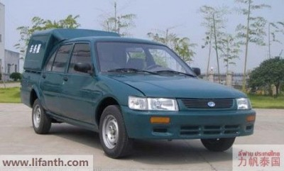 The Lifan LF1012 vans from China-3